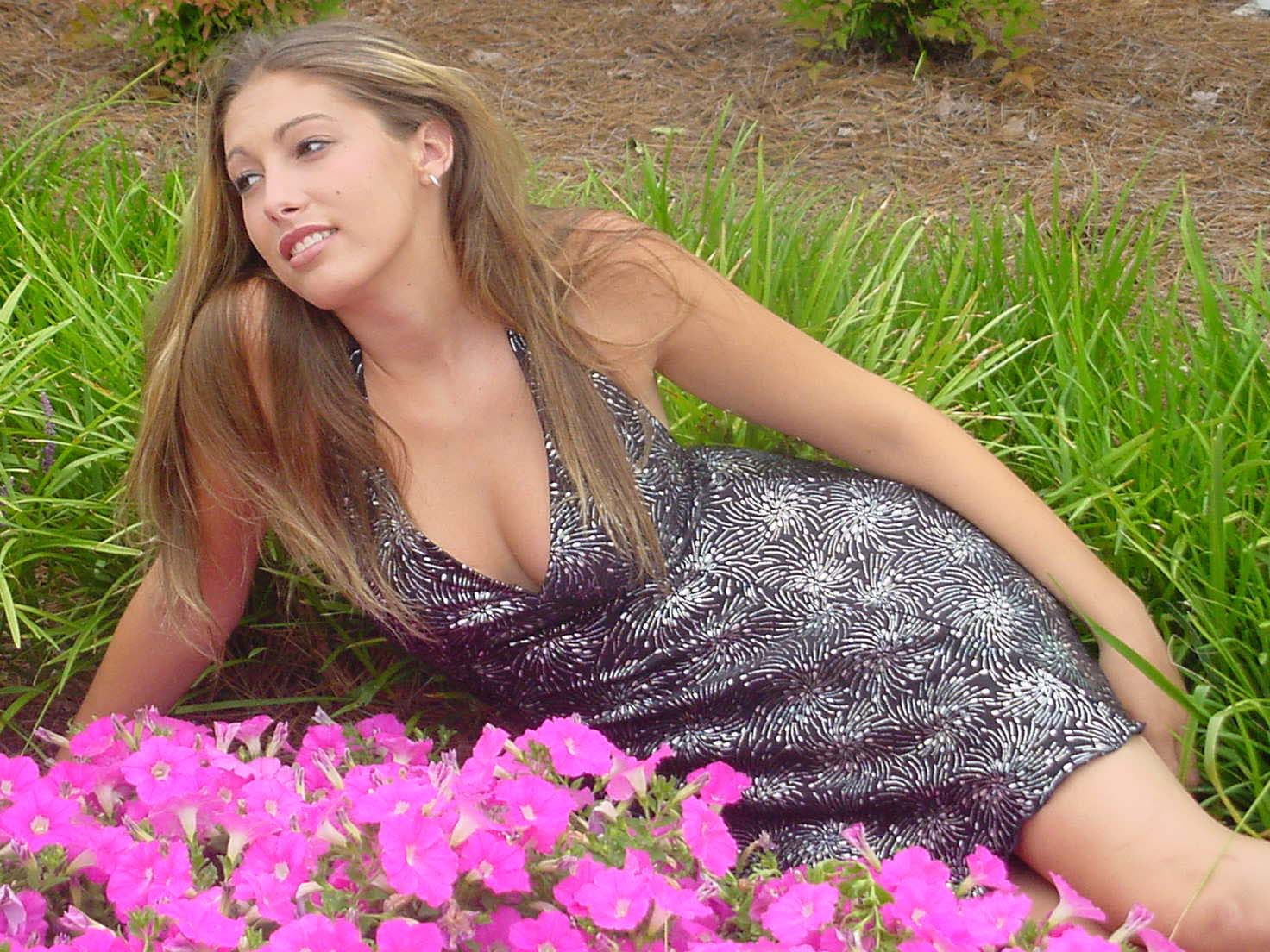 nicole in flowers